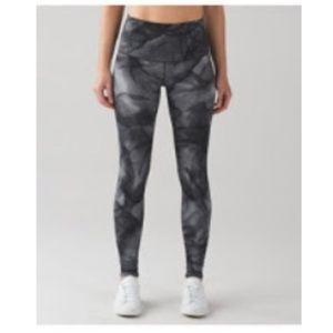 Lululemon high waisted WU luxtreme leggings